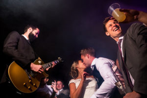 Booking a wedding band in France